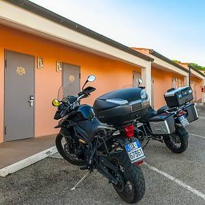 Autohotel roma moto parcheggiate
