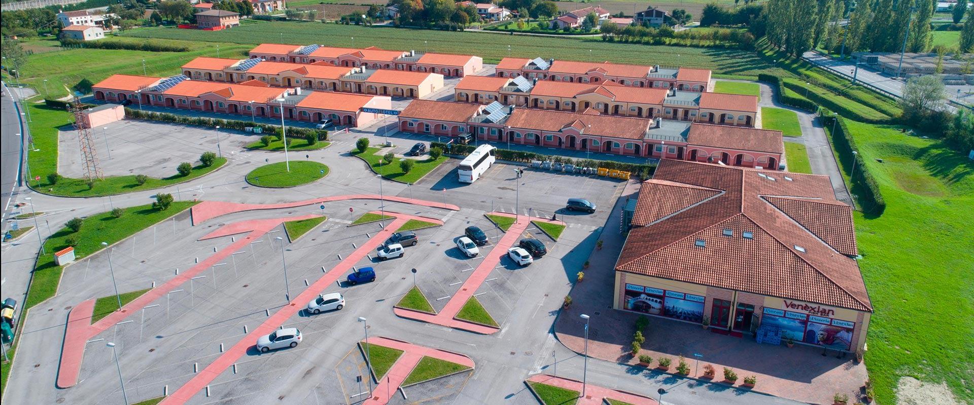Autohotel Venezia - vista aerea